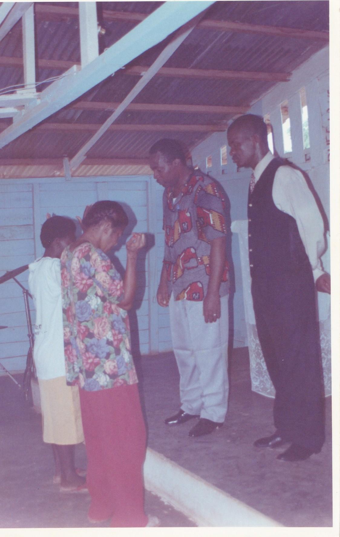 Pastor Francisco Gutierrez - En Africa (1)