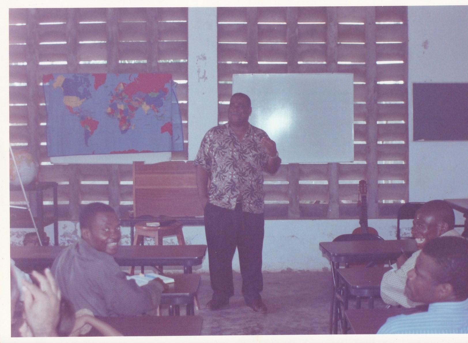 Pastor Francisco Gutierrez - En Africa (16)