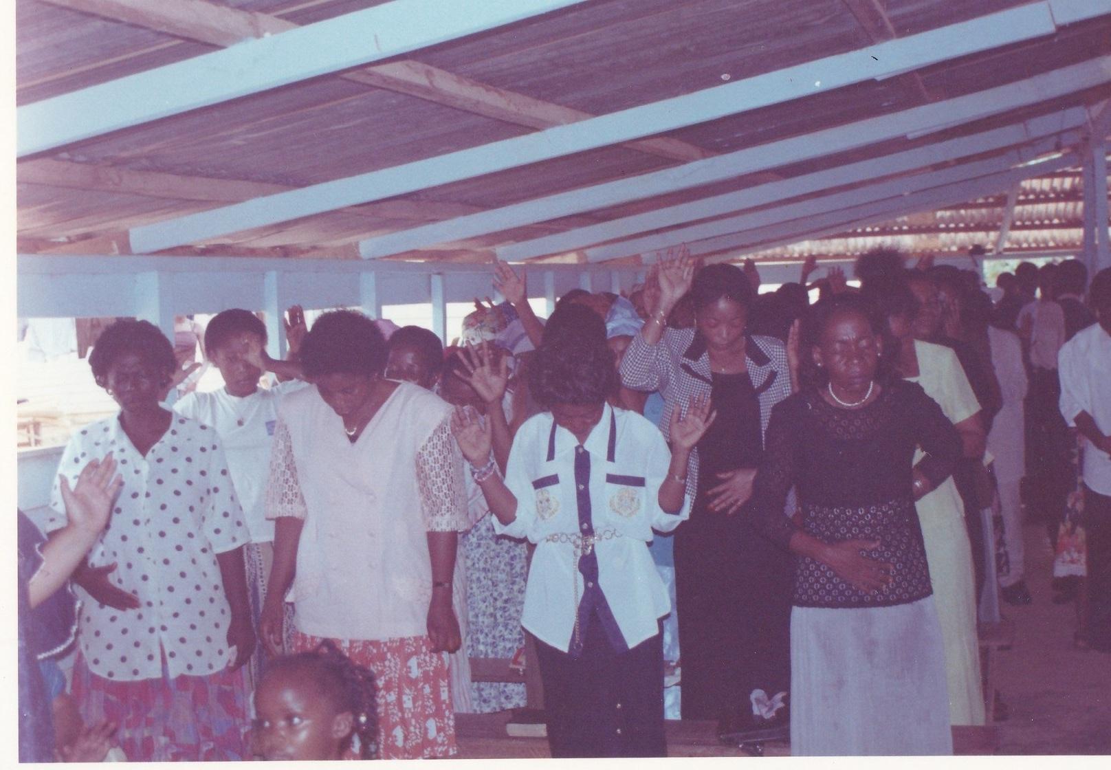 Pastor Francisco Gutierrez - En Africa (2)