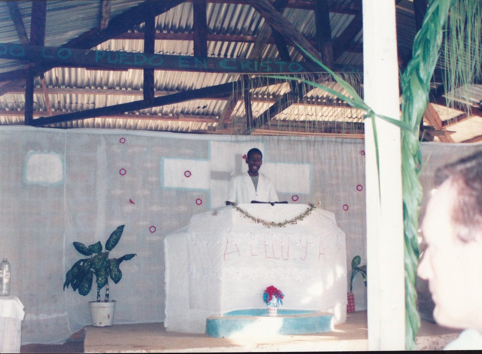 Pastor Francisco Gutierrez - En Africa (44)