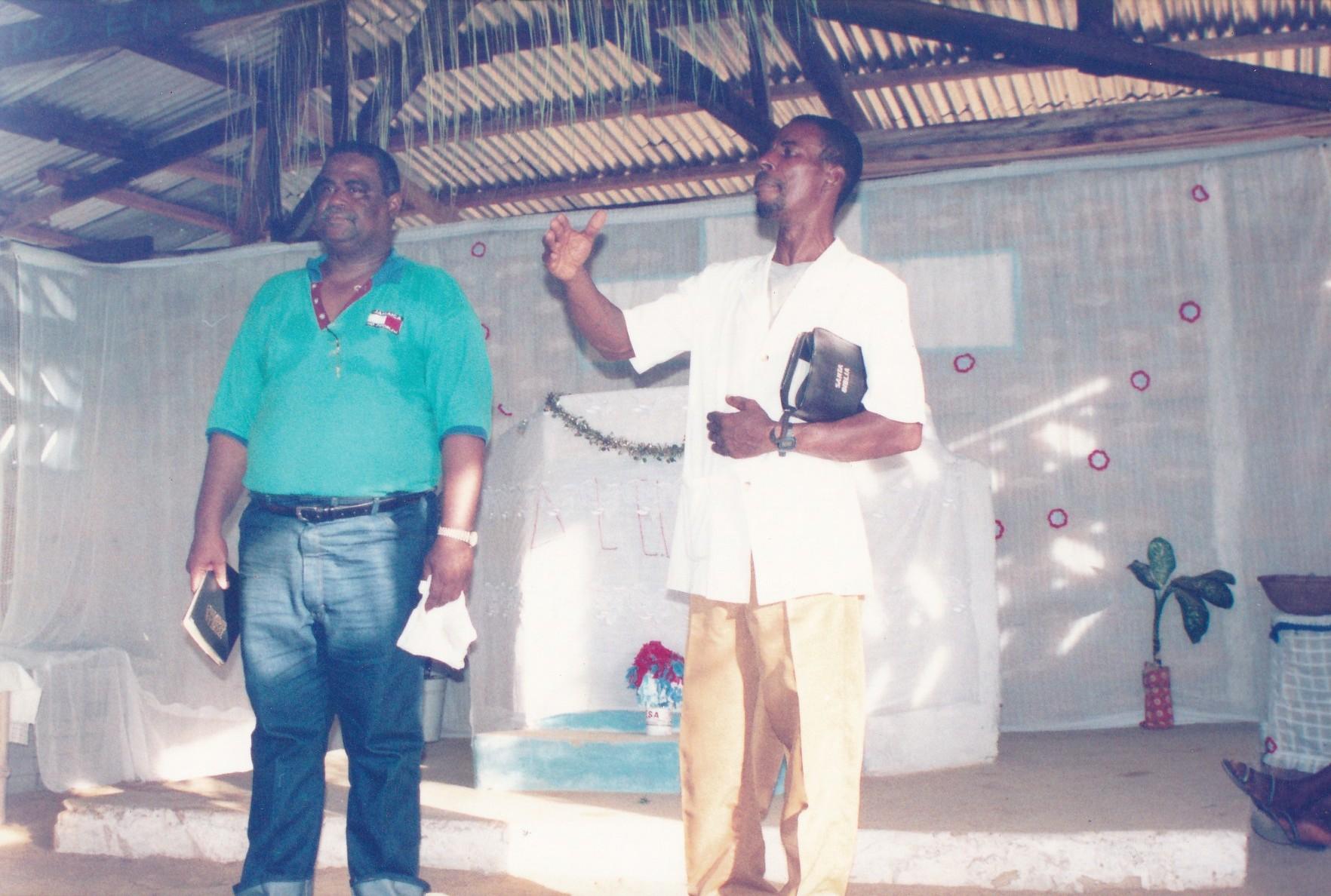 Pastor Francisco Gutierrez - En Africa (46)